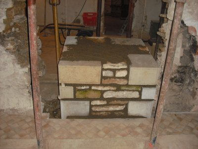 Pilier de renfort en pierre de taille entreprise a r m for Renfort mur porteur