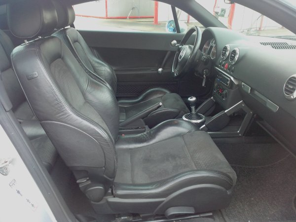 audi tt 180cv an 03 1999 145000kms r vis e vendu le 29 03 2013. Black Bedroom Furniture Sets. Home Design Ideas