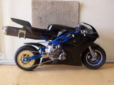 pocket bike de comp tition quip e d 39 un moteur 100 cc pocketbike mania. Black Bedroom Furniture Sets. Home Design Ideas