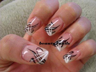 French deco lign noir et balnc melange de strass argent blog de beauty2nails - Deco strass ongle ...