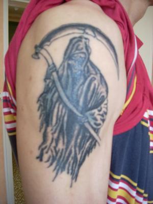 Une faucheuse tatouage - Tatouage la faucheuse ...