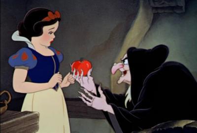 Blanche neige et la pomme empoisonn e les grands classiques de walt disney - La sorciere blanche neige ...