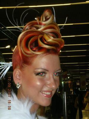 Images coiffeur angers salon de coiffure afro saint for Salon mondial de la coiffure