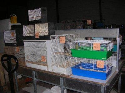 nombreuses cages oiseaux et rongeur d 39 occasion tropi0479. Black Bedroom Furniture Sets. Home Design Ideas