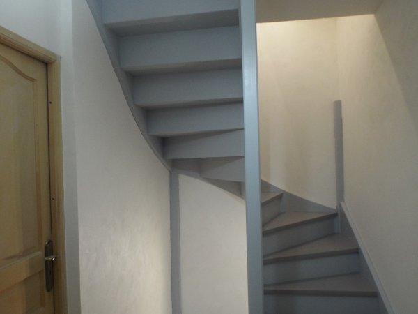 double escaliers deux couleurs tourterelle et orage jennydeco62 douai arras cambrai. Black Bedroom Furniture Sets. Home Design Ideas
