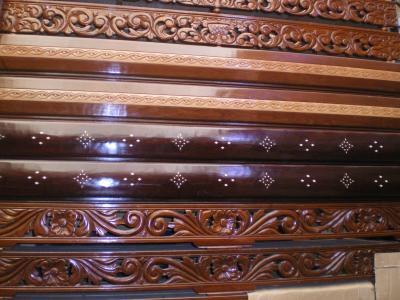 Panneau deco pour salon marocain salon marocain et decoration artisanal for Banquette en bois pour salon