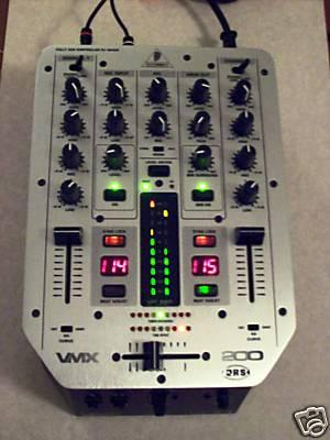 table de mixage dj behringer vmx 200 prix 1200 dh vendu blog de dj kifkif. Black Bedroom Furniture Sets. Home Design Ideas