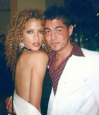 Noemie Lenoir couple