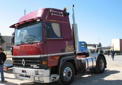 renault r 420 v8 turboleader ma collection de camion. Black Bedroom Furniture Sets. Home Design Ideas