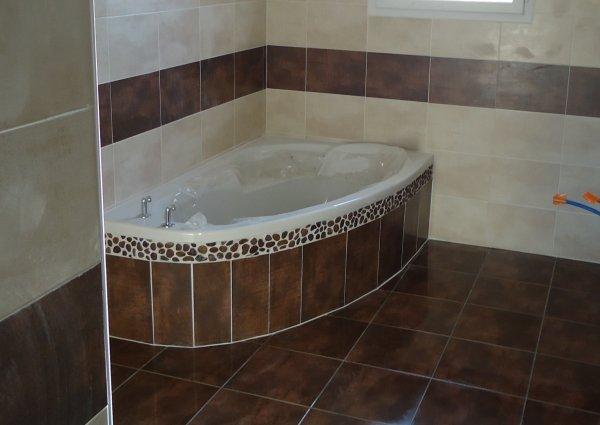 Fa ence salle de bain termin l 39 histoire de notre maison - Faience salle de bain italienne ...