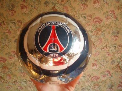 Le plus beau ballon du monde paris est magique - Le plus beau canape du monde ...