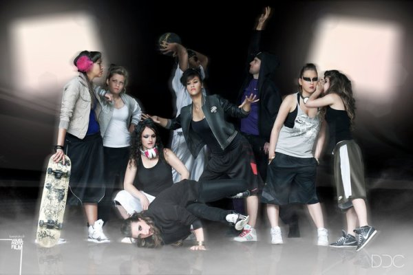 DEBBY DANCE CENTER-DDC � MELUN (77)// Cours de HIPHOP - DANCEHALL            BREAK DANCE