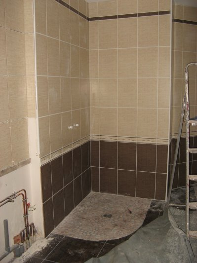 Carrelage et fa ence salle de bain construction 22 et for Carrelage galet salle de bain