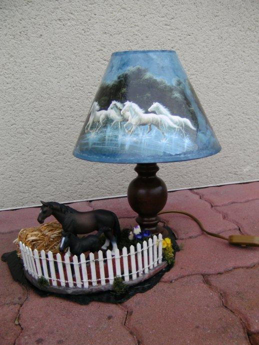 Lampe cheval blog de ahmes68 for Lampe de chevet cheval
