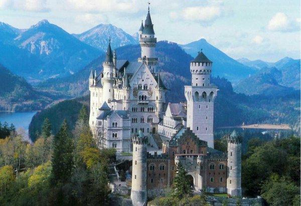Château de Neuschwanstein Le roi Louis II de Bavière - Allemagne