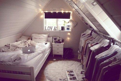 d coration chambre en mansardes dyez mode conseils lifestyle. Black Bedroom Furniture Sets. Home Design Ideas