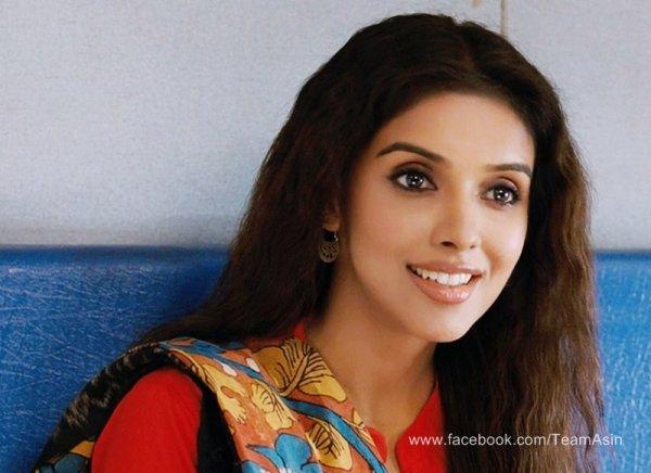 Asin in Bol Bachchan