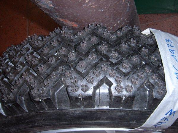 les pneus clous photo 1 renault 5 alpine gr2. Black Bedroom Furniture Sets. Home Design Ideas
