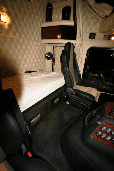 Nouvel interieur du k 200 la passion du camion que for Interieur kenworth t2000