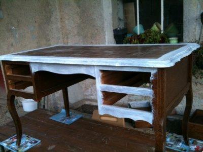 mon bureau en b ton cir un atelier dans l 39 table. Black Bedroom Furniture Sets. Home Design Ideas