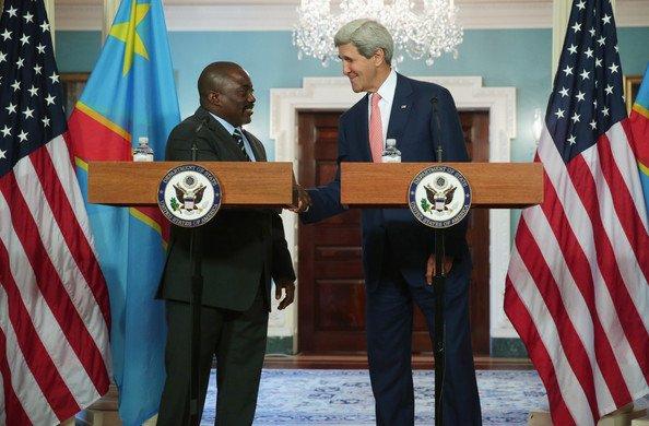 """Sommet �tats-Unis - Afrique : le message sans appel de John Kerry aux dirigeants africains """"personne n'a int�r�t � modifier sa constitution"""""""
