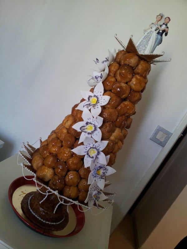 Pi ce mont e en choux chocolat sur coupe nougatine et - Peut on couper les racines des orchidees ...