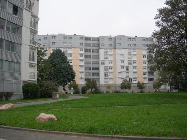 point eveque 38 blog de ghetto de france2009. Black Bedroom Furniture Sets. Home Design Ideas
