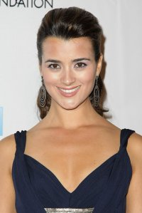 ______________________________________ _______lAgent Sp�cial Ziva David___________l ______________________________________