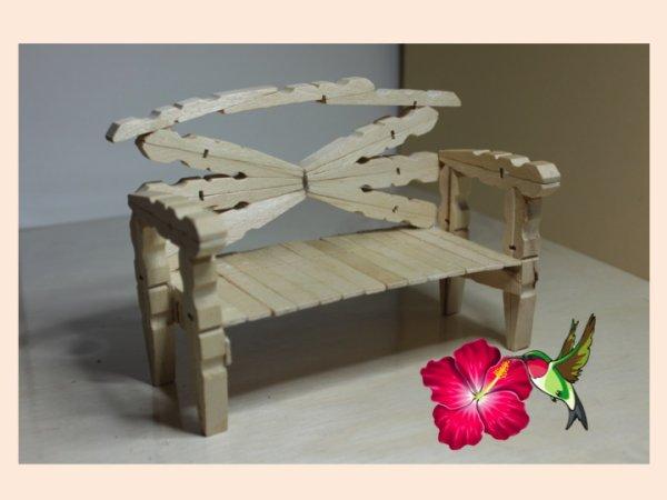 kristen l 39 assise du canap en pinces linge en bois. Black Bedroom Furniture Sets. Home Design Ideas