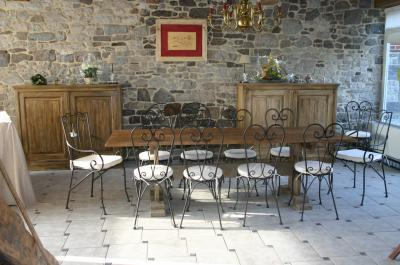 Blog de moustierenfagne gite la grange saint michel for Table salle manger bois fer forge