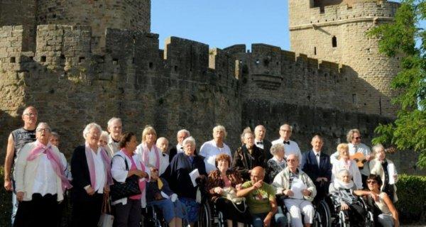 Carcassonne Pas de retraite pour le 3e �ge: - Chorale g�neration avec le soutien des b�n�voles du gisc