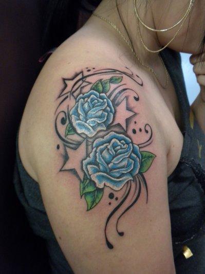 fleur bleu izatattoo clinique professionnelle de tatouage. Black Bedroom Furniture Sets. Home Design Ideas