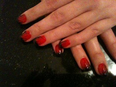 pose sur ongles naturel avec gel rouge et french etiree noir blog de creakris. Black Bedroom Furniture Sets. Home Design Ideas