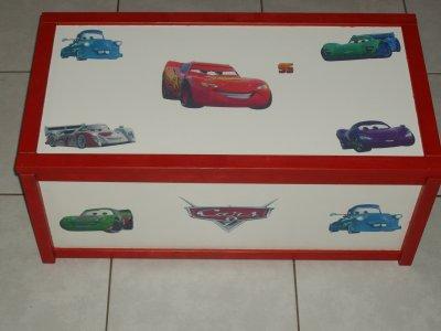 coffre a jouet cars 1 ou 2 35 euro toute mes decorations. Black Bedroom Furniture Sets. Home Design Ideas
