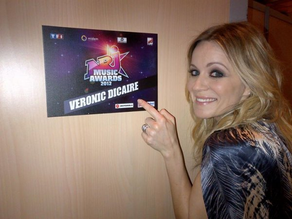 V�ronic DiCaire aux NRJ Music Awards 2012
