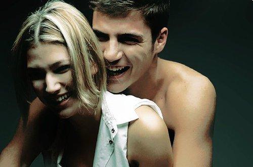 """""""Quand vous aimez une personne comme je l'aime, cette personne fait partie de vous. C'est comme si vous �tiez attach� par cette corde invisible, et peu importe si vous �tes loin, vous pouvez toujours la sentir."""" Glee."""