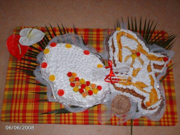 Gâteaux en forme de la Réunion et la Martinique - Vanille des îles ...