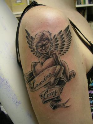 Petit ange tattoo je suis la pour vous faire la peau - Tatouage femme ange ...
