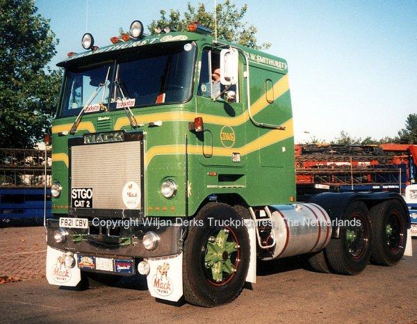 Mack Trucks: Mack Trucks Uk on