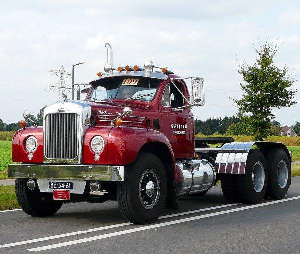 B 61 Mack Trucks : Mack b wijers vortum mullem the netherlands american