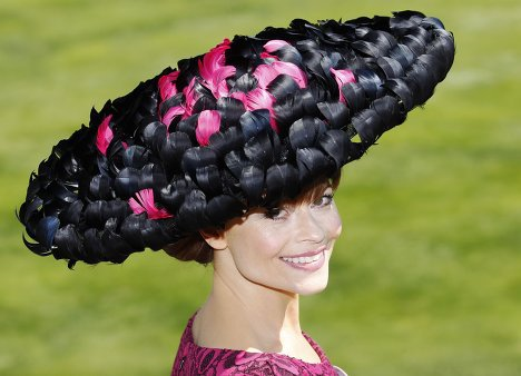 lisasherva 39 s articles tagged hat decorating ideas