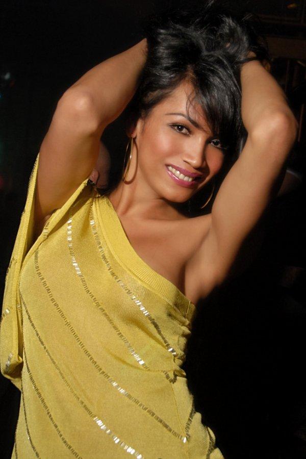 Shemale Yasmine Lee Nude Pics 5