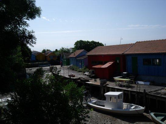 Le Ch�teau d'Ol�ron...les cabanes color�es (1)
