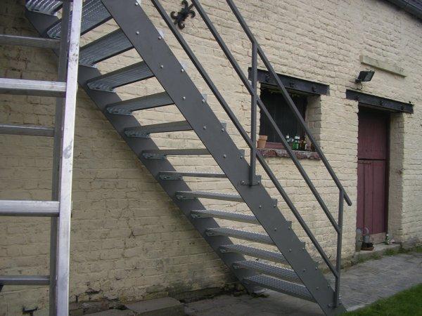 escalier avec palier de 4 m blog de fmgslk. Black Bedroom Furniture Sets. Home Design Ideas