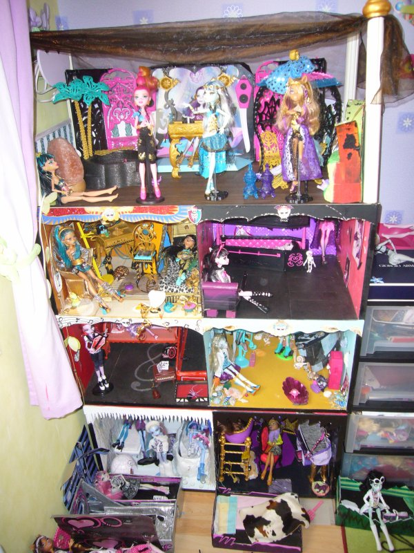 blog de ghoules rules creation de meuble pour monster high. Black Bedroom Furniture Sets. Home Design Ideas