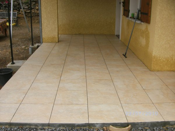 Faire des joints de carrelage sol toulon cholet for Carrelage exterieur brico depot