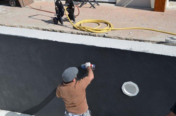 D coration piscine b ton cir peinture piscine produit d for Enduit etancheite piscine