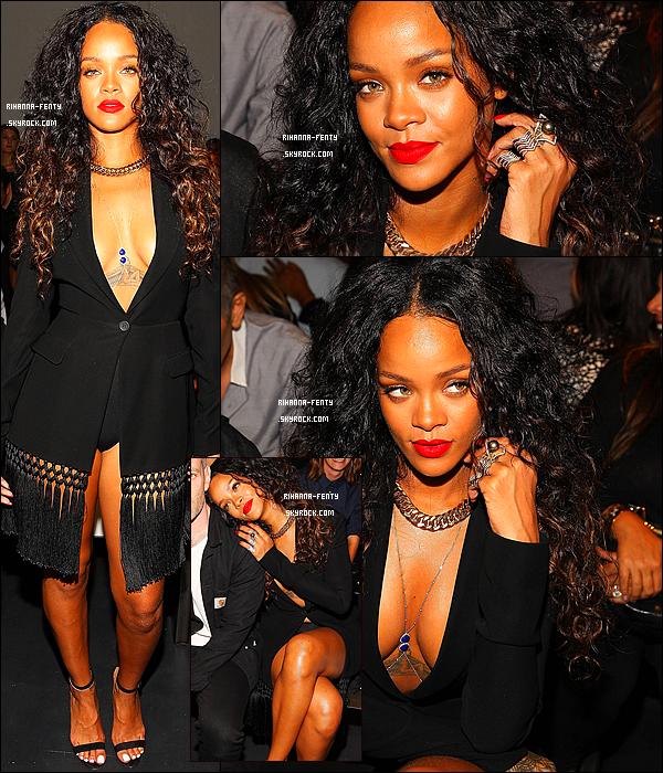 _ 06/09/2014 : Rihanna Fenty dans une tenue sexy s'est rendue au d�fil� � Altuzarra � � New York.Qu'en pense tu ?