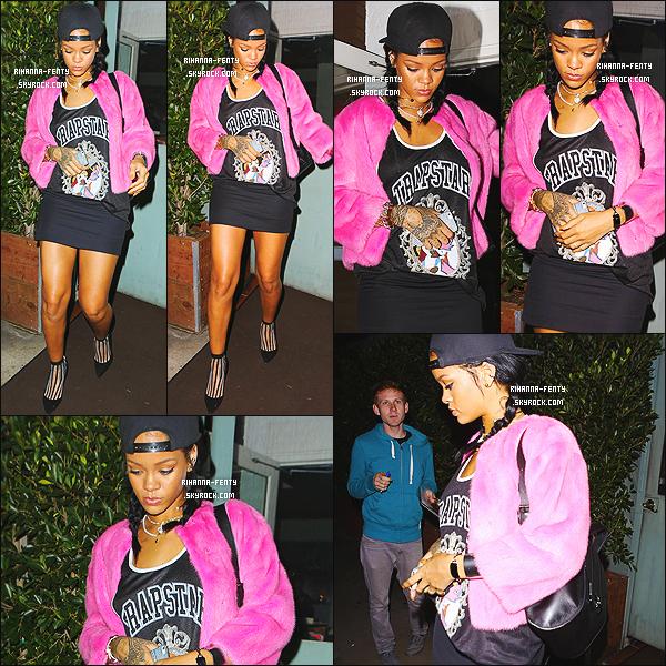 _ 15/10/2014 : Rihanna a �t� vue alors qu'elle quittait encore une fois le restaurant � Giorgio Baldi � � Los Angeles.