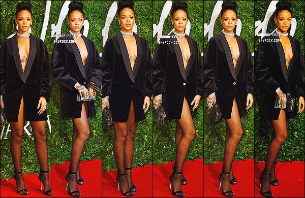 01/12/2014: Rihanna est apparue sur le tapis rouge des � British Fashion Awards � qui se d�roul�s � Londres.   Que pensez-vous de la tenue de notre Rihanna ? c'est un TOP ou bien FLOP. N'h�sitez surtout pas � me faire parvenir vos avis.